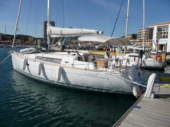 **yachting-direct** 417_oceanis37-photo 1