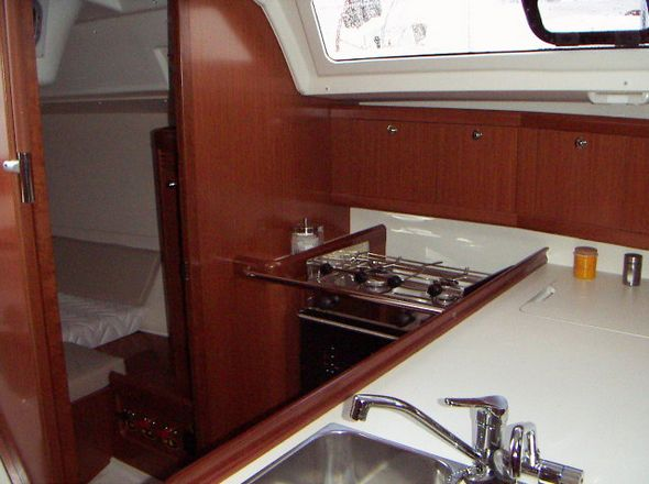 **yachting-direct** 417_oceanis37-photo 5