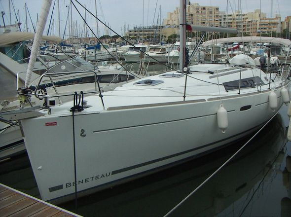 **yachting-direct** 547_oceanis37-photo 1